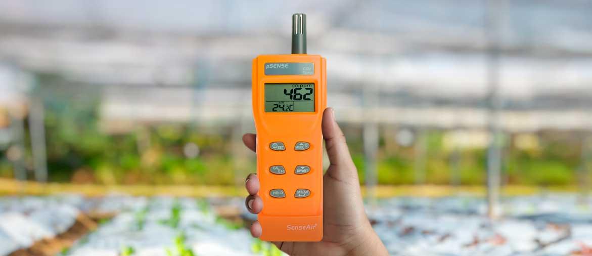Портативный измеритель содержания CO2 и температуры